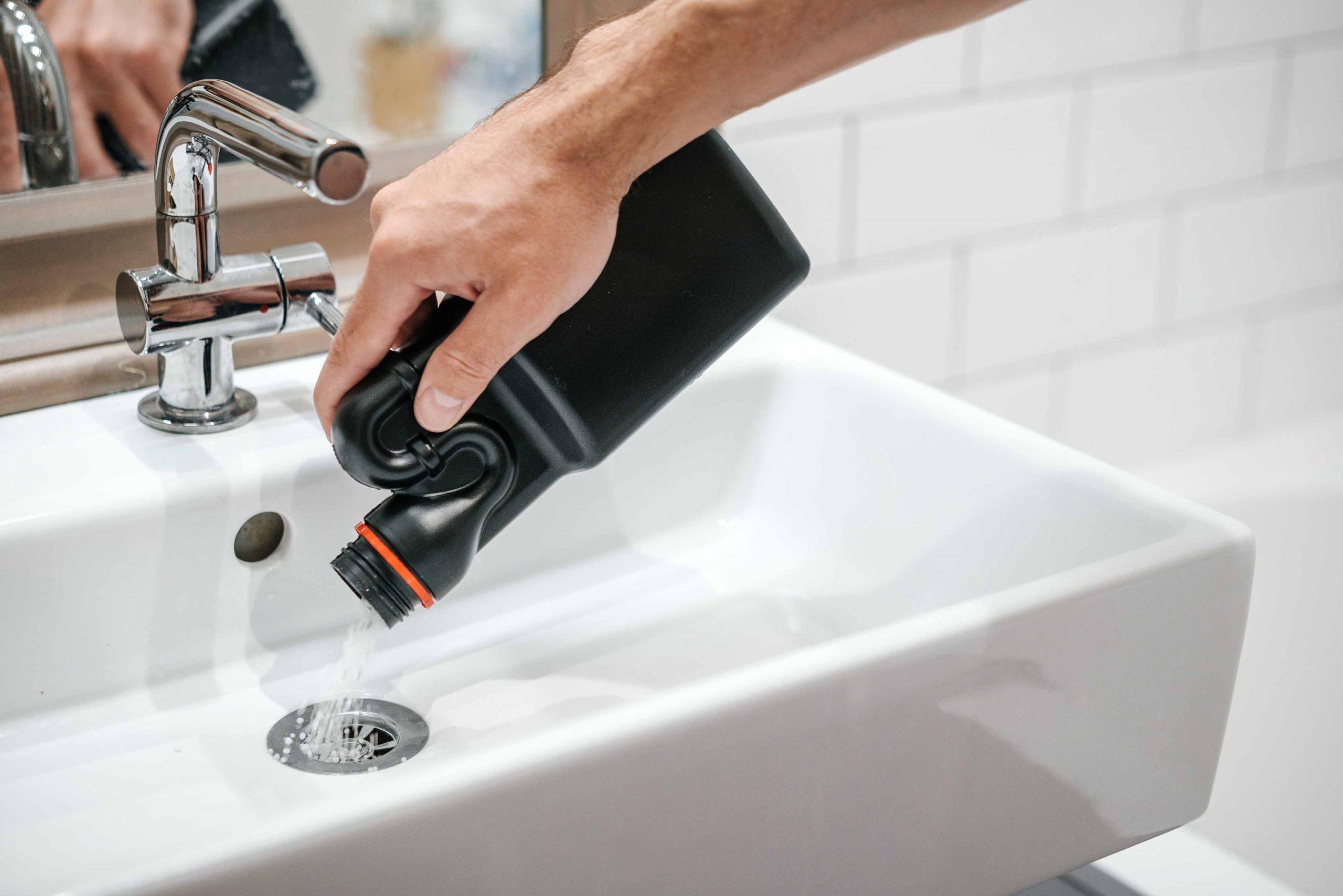 smelly bathroom drains